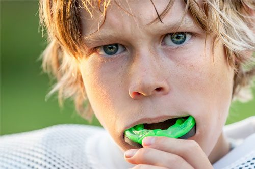 How to Snack Well During Football Season [Video]